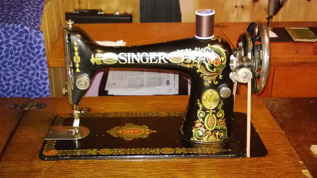 singer sewing dating Antique singer sewing machines by serial number 1871 -1950 the first singer sewing machine was antique singer sewing machines by serial number 1871.